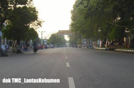 Suasana  di Jl. Sutoyo Kebumen pada pelaksanaan Car Free Day 07 Juni 2009