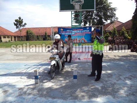 giat safety riding di SMA N 1 Klirong