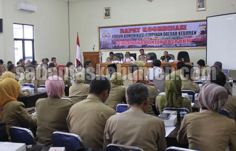 Suasanan Forum Komunikasi Pimpinan Daerah membahas aksi unjuk rasa BBM di Gedung Tribrata Mapolres Kebumen