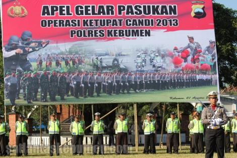 Apel Gelar pasukan operasi ketupat candi 2013 Polres Kebumen